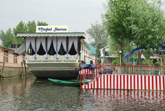 Mughal Sheraton Group Of House Boats