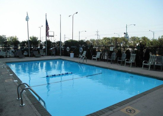 Ilj picture of clarion hotel midway airport chicago for Hotels near chicago midway