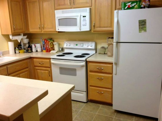 Kitchen In 2 Bedroom Suite Picture Of Palm Springs Tennis Club Palm Springs Tripadvisor