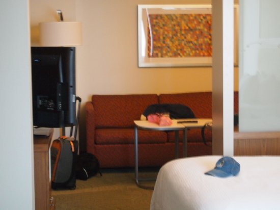 SpringHill Suites Columbus OSU: Other side of room