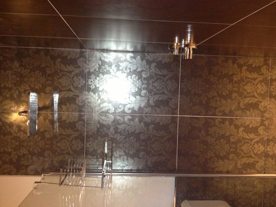 Big Walk In Shower In Le Jardin Room Picture Of The Town House Durham Durh