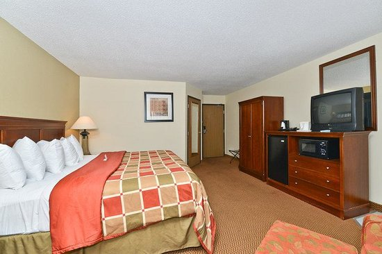 Photo of BEST WESTERN Airport Inn & Suites/KCI North Platte City