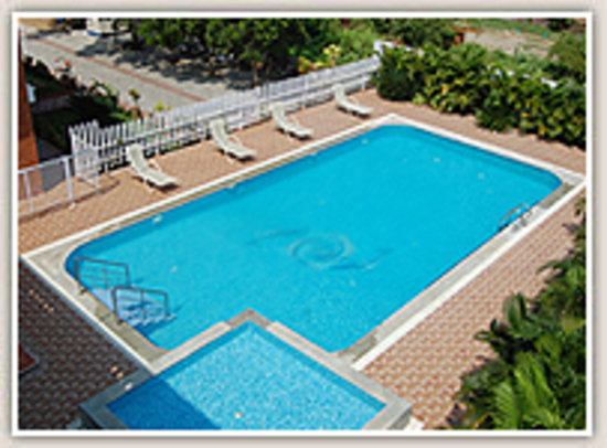 Swimming pool for Hotels in velankanni with swimming pool