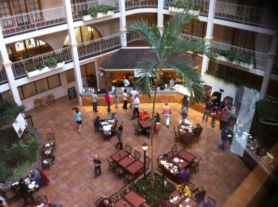Embassy Suites by Hilton Denver - Southeast: Riding down to breakfast