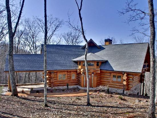 Comfortable spaces picture of georgia mountain cabin for Rent a cabin in georgia mountains