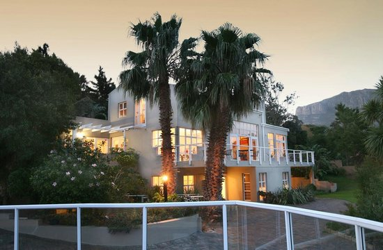 Photo of Art Gallery Guest House - Thandekayo Hout Bay