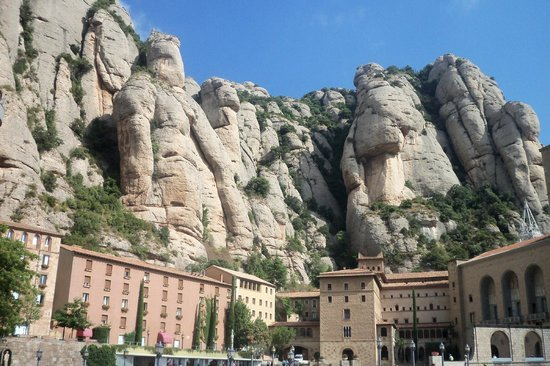 Barcelona Turisme - Afternoon in Montserrat Tour