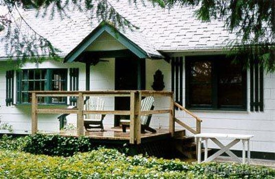 Photo of Ivy Cottage Bed and Breakfast Fort Langley