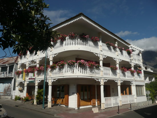 Photo of Hotel Tsilaosa Cilaos