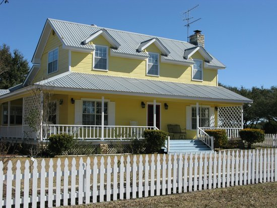 Photo of Yellow House Bed and Breakfast Salado