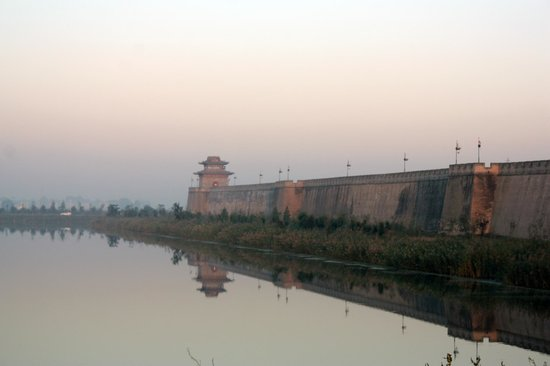 Yongnian County, China: The wall from the South Gate