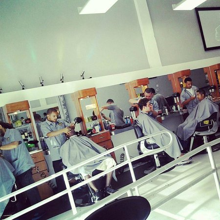 Barber Shop In The Area : Barber Area - Picture of The Lounge Barber Shop & Bar, Miami ...