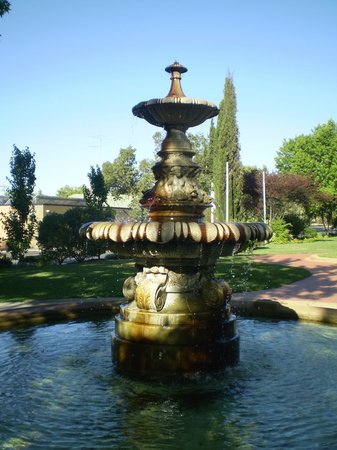 Narrandera, Australia: Fountain late afternoon