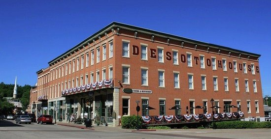 Photo of DeSoto House Hotel Galena