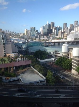 Oaks Goldsbrough Apartments: view of Darling Harbour from the 11th floor.