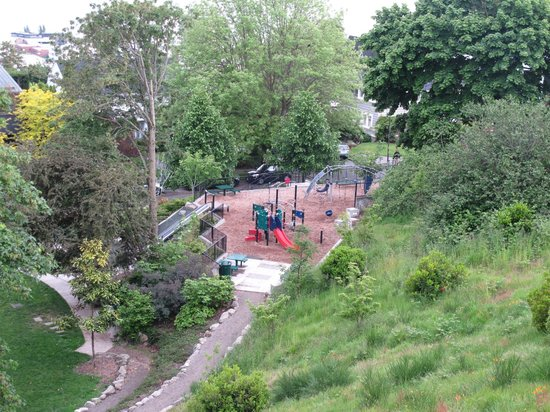 The Playground Below Picture Of Kerry Park Seattle