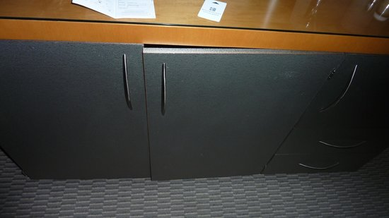 Kitchen Cabinet Door Not Closing