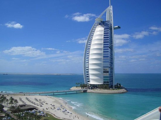 Burj al arab in jumeirah dubai vae for Top 10 5 star hotels in dubai