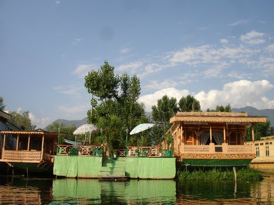 Persian Palace Houseboats