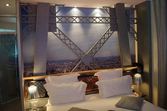 Eiffel tower room picture of secret de paris paris Eiffel tower secret room