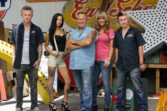 American Restoration family - Picture of Rick's Restorations, Las
