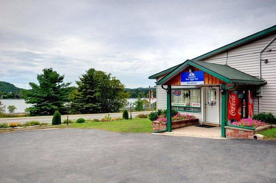 Photo of Canadas Best Value Inn - Sunset Inn Huntsville