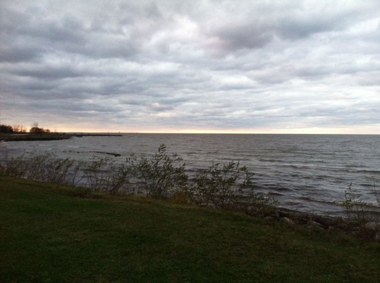 The Lodge at Geneva-on-the-Lake: View from walking trail on property