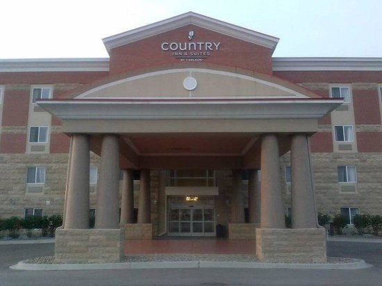 Country Inn & Suites Dearborn