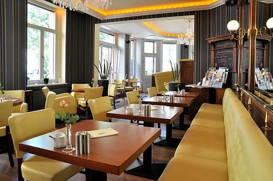 lloyd 39 s cafe bar dresden restaurant bewertungen telefonnummer fotos tripadvisor. Black Bedroom Furniture Sets. Home Design Ideas