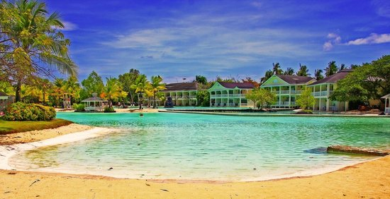 how to go to plantation bay cebu
