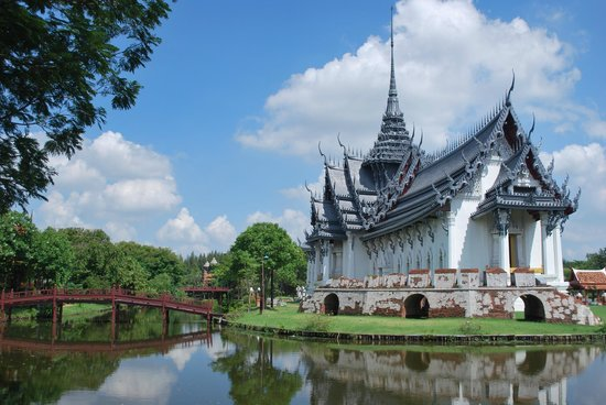 Ayutthaya palace reconstruction - Picture of Ancient City ...