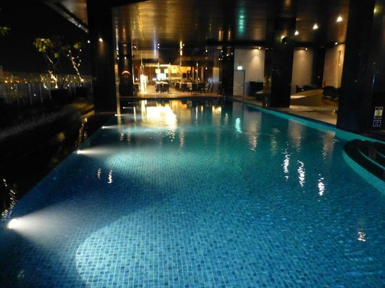 Swimming Pool By Night Picture Of Crowne Plaza Semarang Semarang Tripadvisor