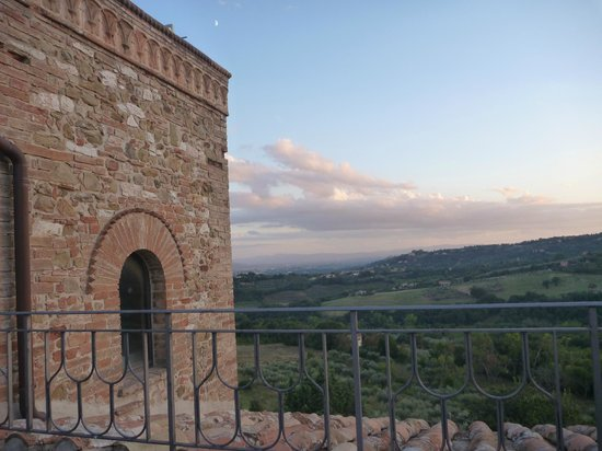 Castello di Monterone: View from the battlements over the valley