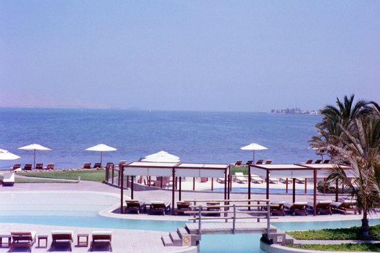 La Hacienda Bahia Paracas: Another view of the pool area