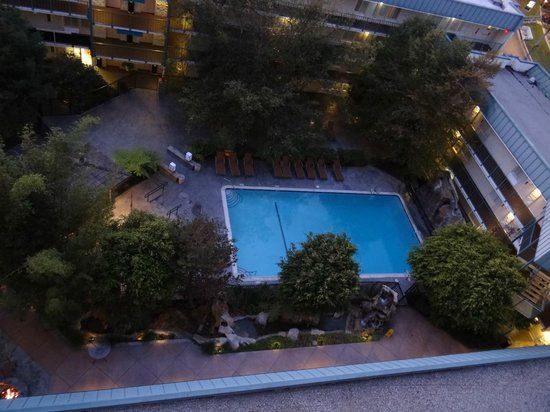 Pool Picture Of Doubletree By Hilton Torrance South Bay Torrance Tripadvisor