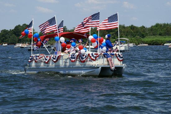 Chapin, SC: Annual Fourth of July Boat Parade