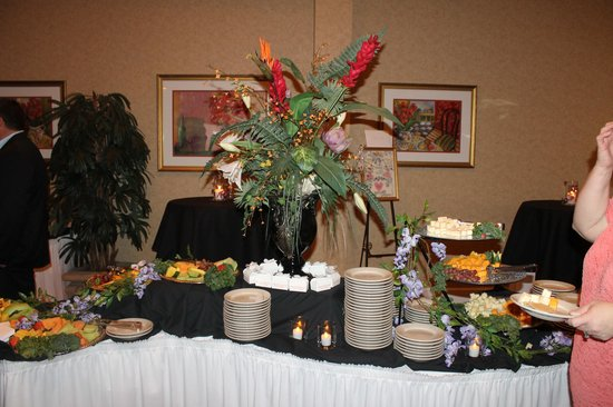 Hors d 39 oeuvre table picture of hilton garden inn Hilton garden inn florence florence sc