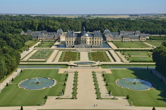 Chateau De Vaux Le Vicomte Maincy France Hours