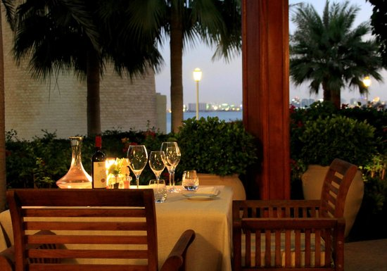 A very romantic setting - Picture of Il Teatro, Doha