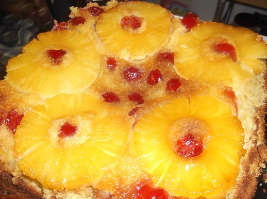 PINEAPPLE AND RUM UPSIDE DOWN CAKE - Picture of Yeanon cafe, Ossett ...
