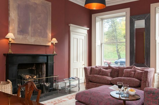 Fabulous Living/Dining Room - Picture of Six Brunton Place Guest House  550 x 365 · 37 kB · jpeg