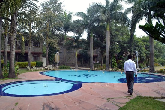 Pool Side Picture Of Cama Rajputana Club Resort Mount Abu Tripadvisor