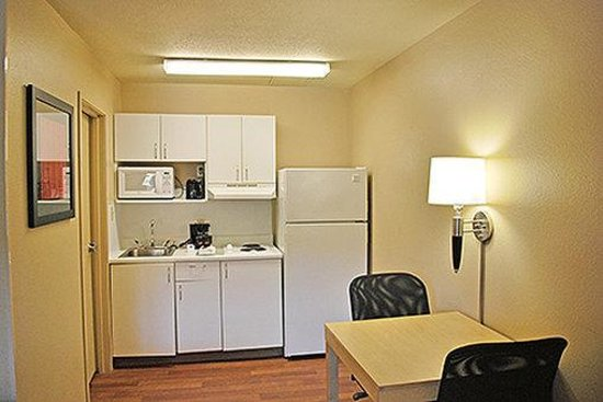 Extended Stay America - St. Louis - Westport - East Lackland Rd.: Fully-Equipped Kitchens