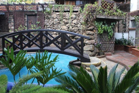 The Gables: Leisure Pool 1