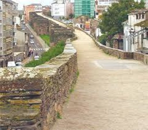 Cubo - Picture of The Roman Walls of Lugo, Lugo - TripAdvisor