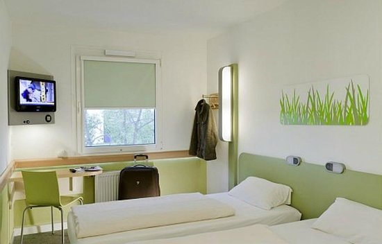 Chambre ibis budget rennes chantepie picture of rennes for Chambre ibis budget