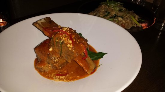 Delicious braised shortrib with thai curry picture of for Aura thai fusion cuisine new york ny