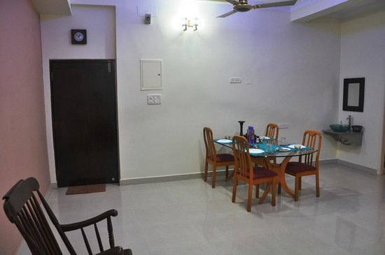 Bhuvi Serviced Apartments: Velachery Dining view