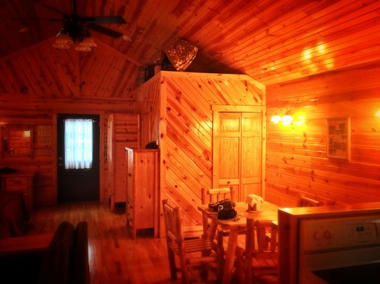 Cabins at Pine Haven: Honey In The Rock: Dining, with Bath Behind (from the kitchen)