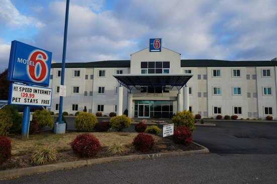 motel 6 picture of motel 6 knoxville knoxville. Black Bedroom Furniture Sets. Home Design Ideas